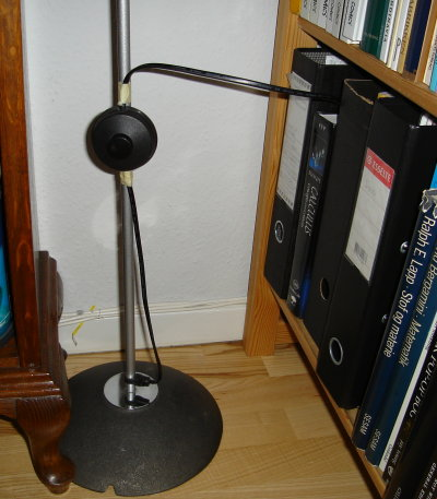 roomba:floor_lamp.jpg